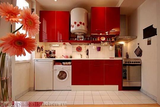 Интересный интерьер маленькой кухни