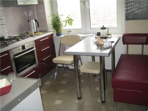 Дизайн кухни в хрущевке, варианты дизайна и расстановка мебели в кухне.  Как сделать дизайн в маленькой кухне.
